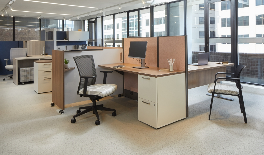 Preview of AIS Washington D.C. Showroom Divi Workstation with upmount bronz glass, Upton Task seating and Paxton Side Seating