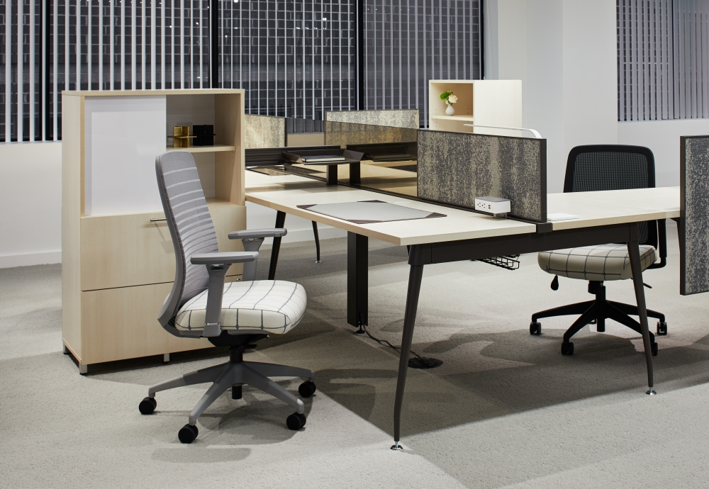 Preview of AIS Washington D.C. Showroom Oxygen Workstation with Calibrate Series Storage and Bolton Task Seating