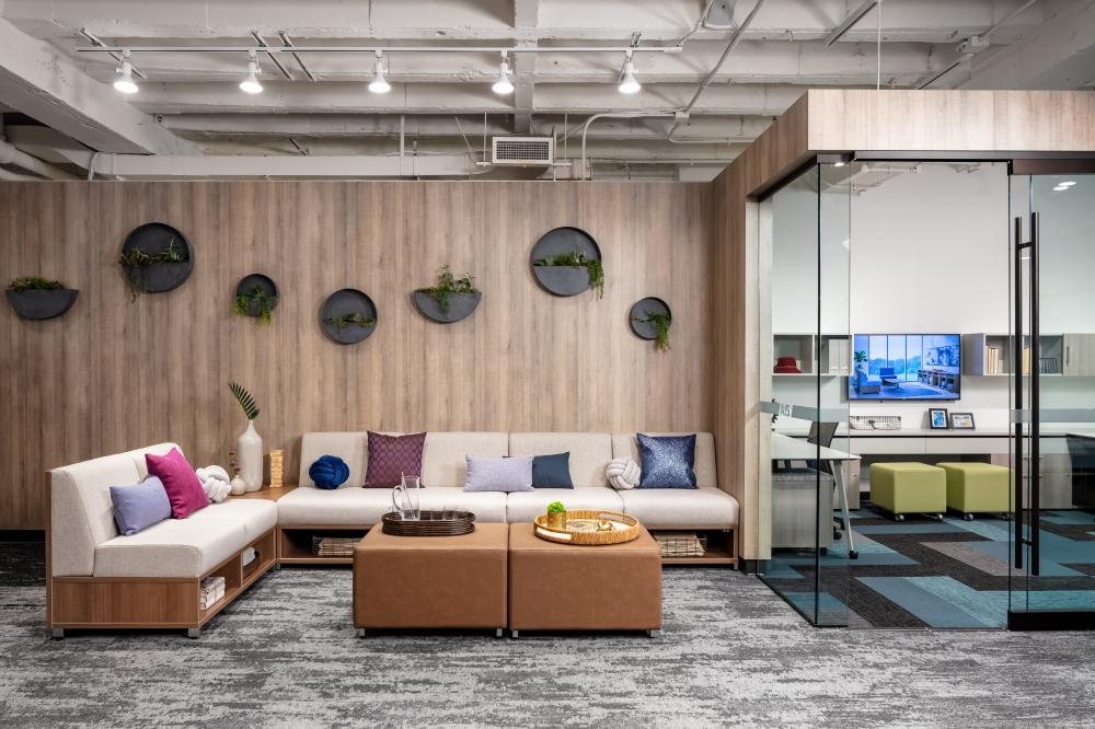 Preview of 2019 NeoCon Showroom Shots, LB Lounge
