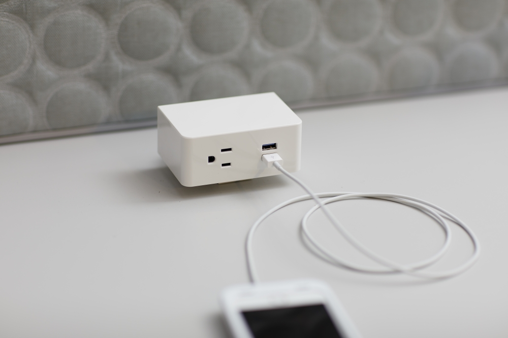 Preview of Ashley Uno Desktop mounted Power and USB