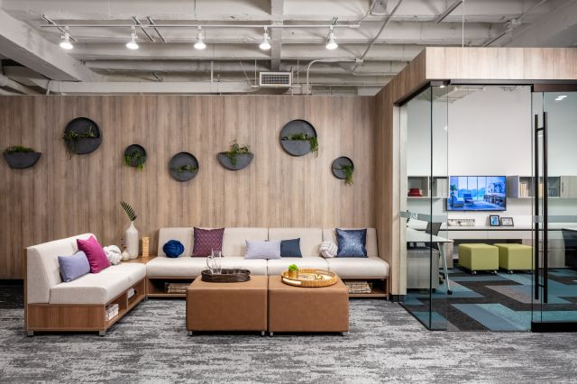 2019 NeoCon Showroom Shots, LB Lounge