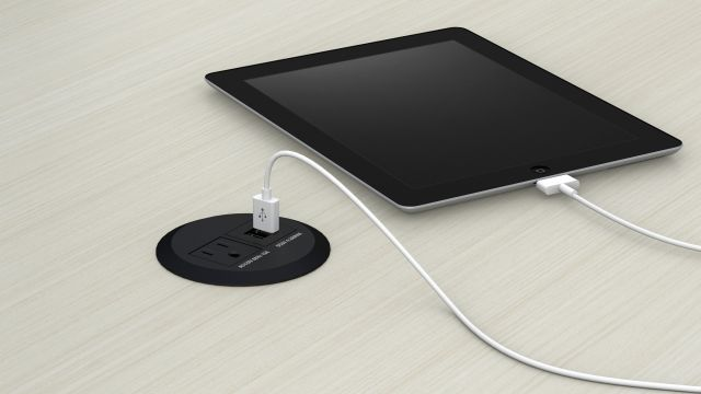 Power Dock with one outlet and 2 usb ports