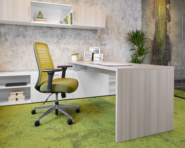 Calibrate Series Casegoods Private Office with Rectangular Run Off and Bolton Seating