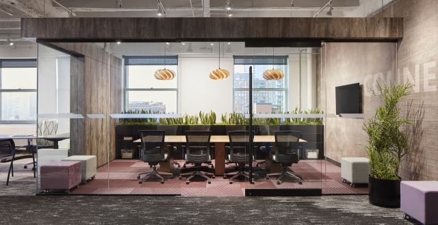 NeoCon 18 Chicago Showroom, Calibrate Conferencing with Upton Seating and Volker Cubes for Impromtu Seating