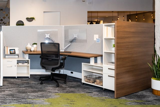 NeoCon 2021 Divi Linear with Gallery Panels and Calibrate Storage. Shown with  Essex seating.