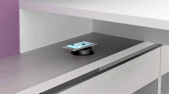 Calibrate Community Wireless Charger Dock
