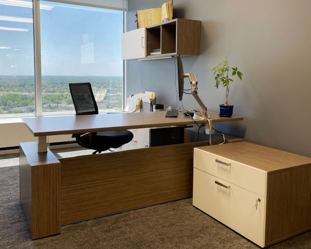 Client Space: Calibrate Telescoping Desk with Lateral Box/File Storage and Devens Seating