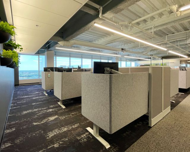Client Space: Divi with Height Adjustable Tables and L-Wrap PET Screens