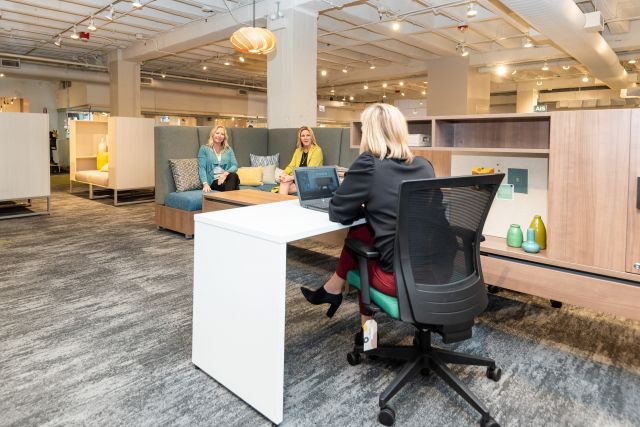 NeoCon 2021 Calibrate Community with LB Lounge meeting area