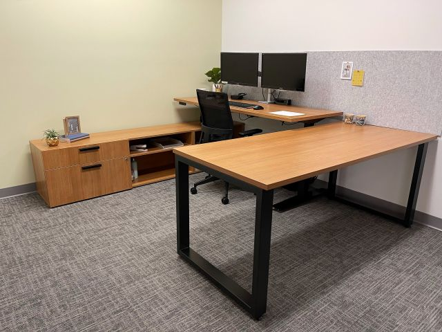 Client Site with Calibrate Storage and HAT, shown with Devens seating
