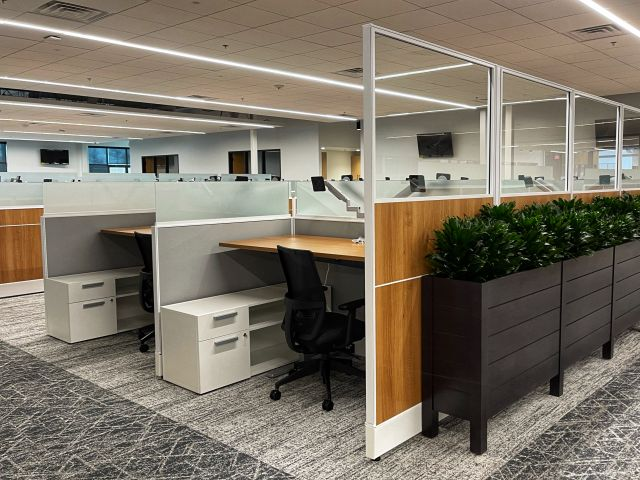 """Client Site with Divi Laminate Panels with 24"""" Glass Stack on aisleway and fabric within stations"""