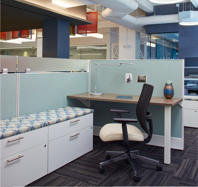 Divi Open Plan Panel System with Upmount screen Calibrate Storage and Devens Task Seating