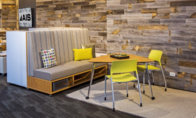 LB Lounge with Universal Table and Pierce Seating, NeoCon16